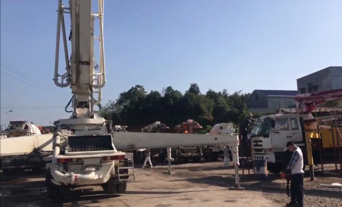 concrete mixer truck (1)